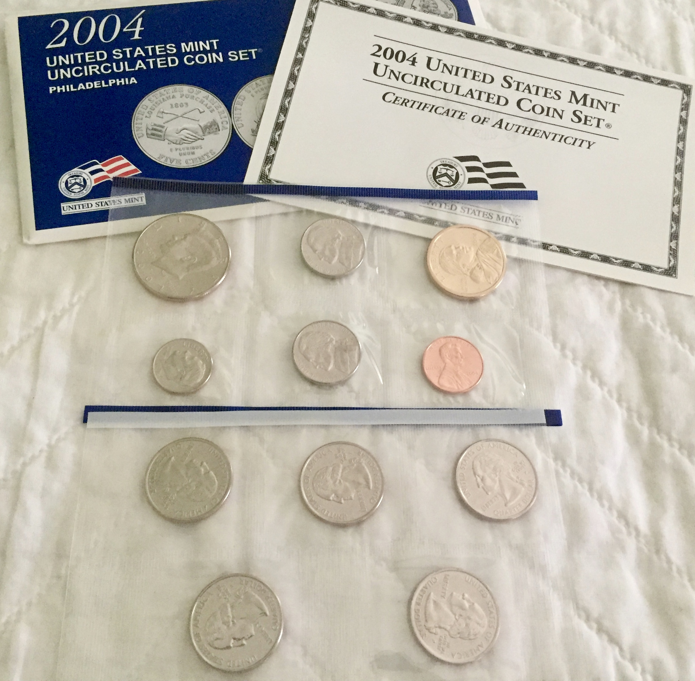 Item HG 24 - 2001 US Uncirculated Coin Set - Philadelphia Mint - Wow