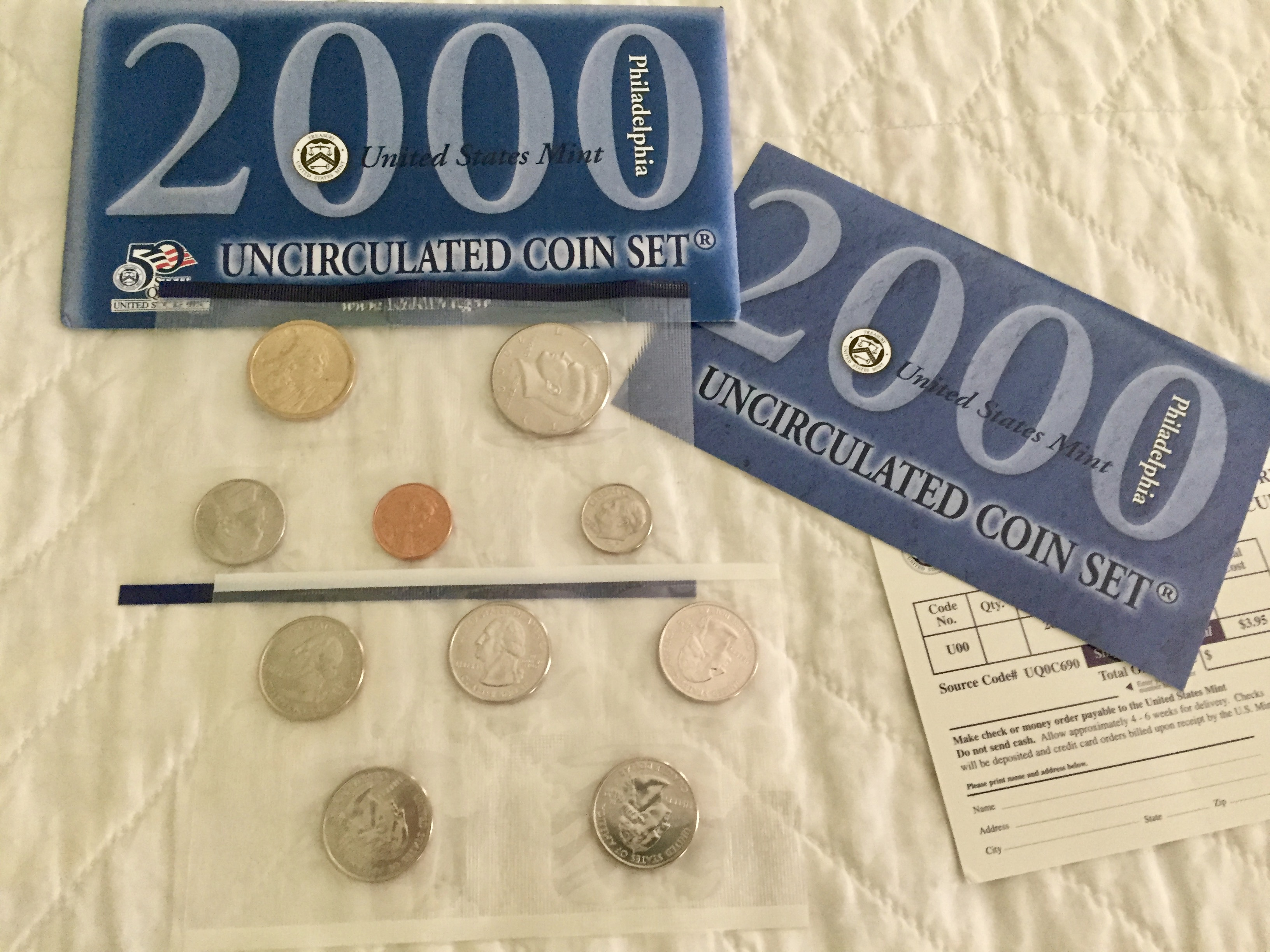 Item HG 20 - 2000 US Uncirculated Coin Set - Philadelphia Mint - Wow
