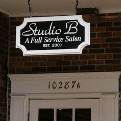 Item BS12 - Manicure with Gwen at Studio B in Frontenac